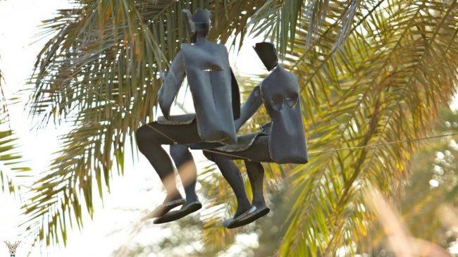 yer cekimine meydan okuyan heykeller9