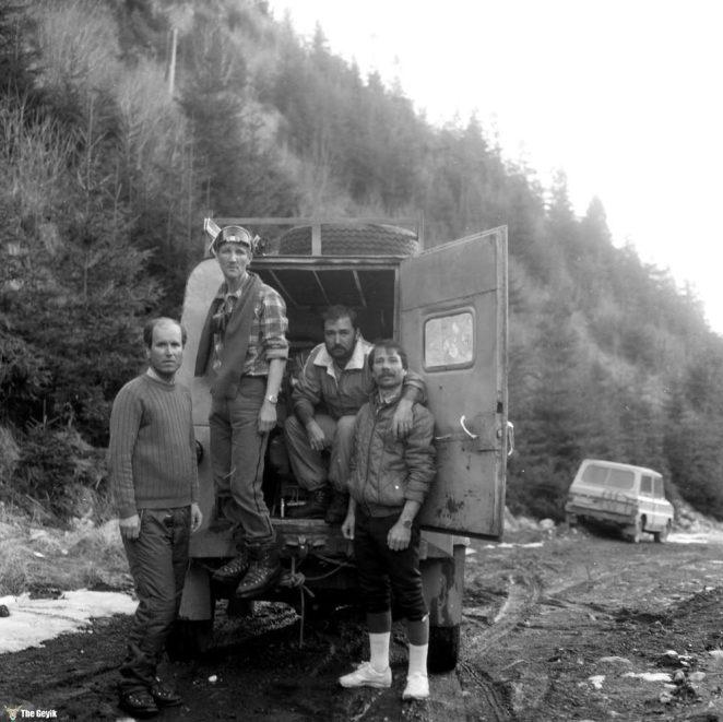 photos-of-mountain-hikes-in-communist-romania-876-674-1465925621
