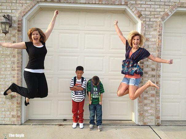 Okulun ilk günü - çocuklarını okula gönderdiğine sevinen aileler 10