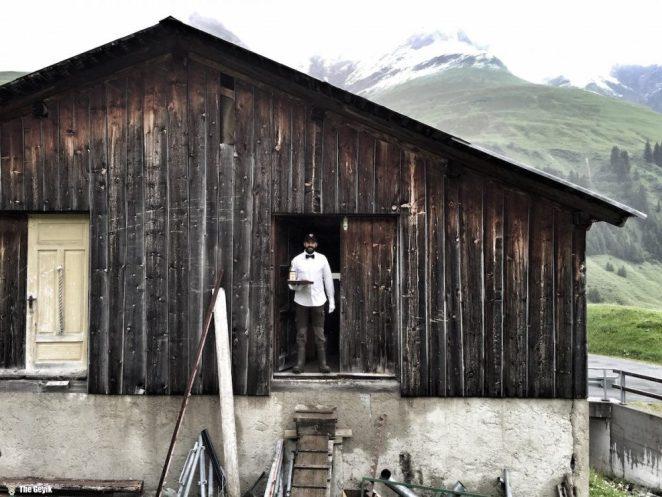 duvarları ve catisi olmayan otel isvicre 6