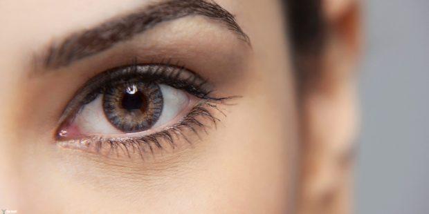 Close-up of a beautiful woman's eye