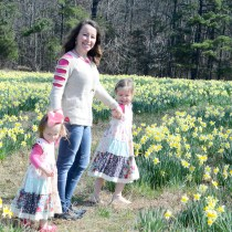 Wye Mountain Daffodil Festival - Festival Fashion - Arkansas - Folk Festival - Daffodils - Toddler Fashion - Kid Fashion - Mommy and Me Fashion - The Gifted Gabber