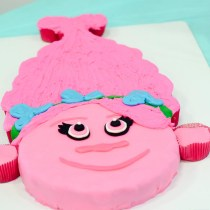 Trolls Birthday Party - Poppy Cake - The Gifted Gabber