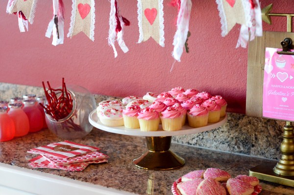 Cupcakes and cookies - Galentine's party for little girls - The Gifted Gabber