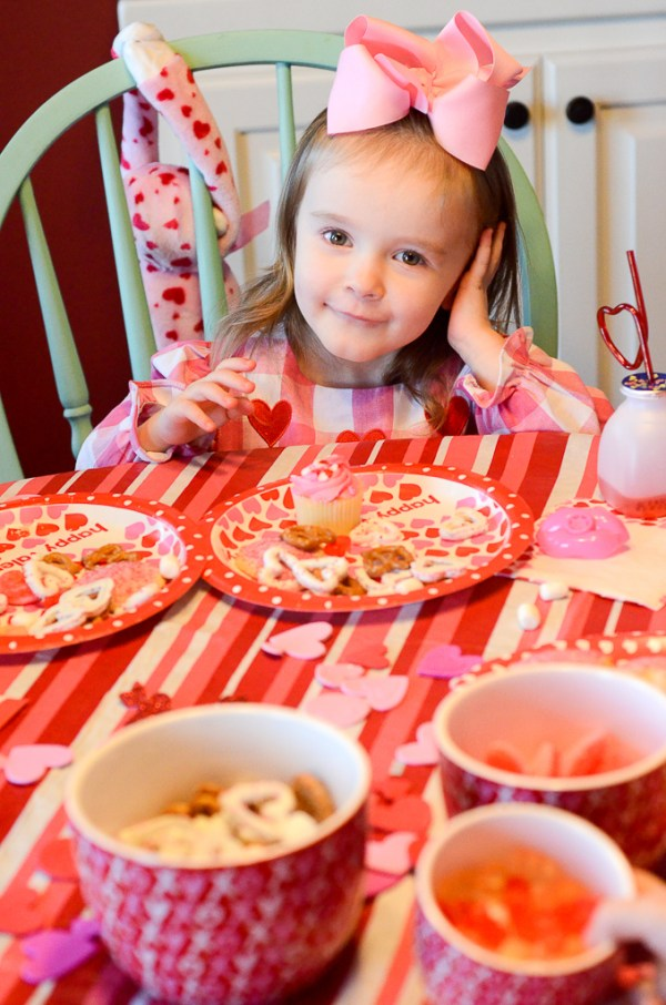 Galentine's party for little girls - The Gifted Gabber