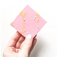 giveaway_la_luna_salt_chocolate_bark