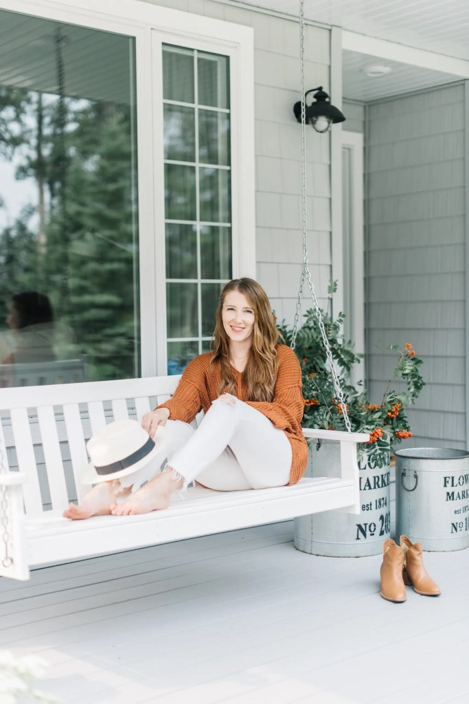 Amanda, the blogger behind The Ginger Home, shares her tips to gain followers on Instagram
