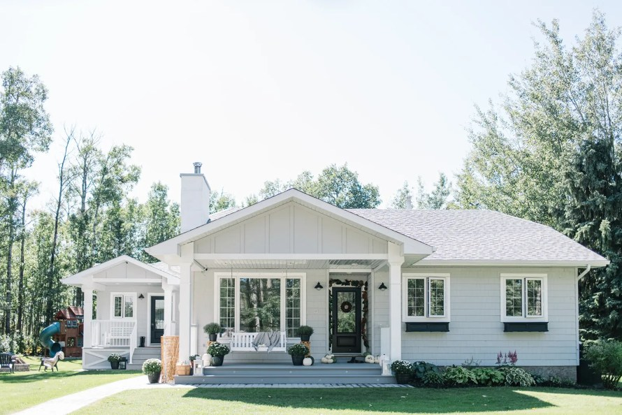 Exterior makeover - modern farmhouse style