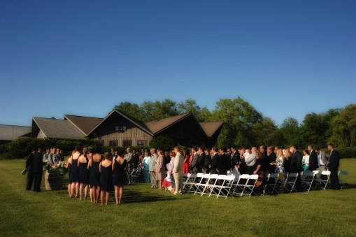 Outdoor wedding ceremony – Photo credit Baker Photography