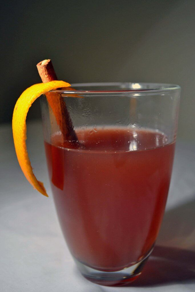 Glass-of-mulled-sloe-gin