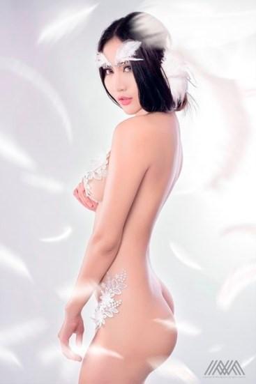 Mỹ nữ Pong Kyubi tung ra bộ ảnh gợi cảm White Angel-2