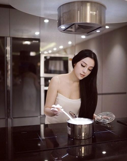 hot girl Huyen Baby sexy pictures at HappyLuke Vietnam online casino