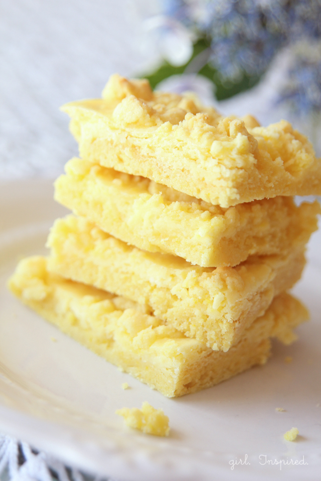 Lemon Cream Cheese Cookie Bars - a chewy cookie base topped with a lemon cream cheese filling