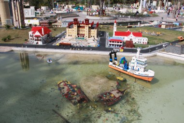 Lego St. Augustine, FL complete with shipwreck