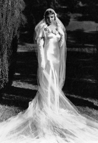 Claudette Colbert in 'It Happened One Night' - wedding dress