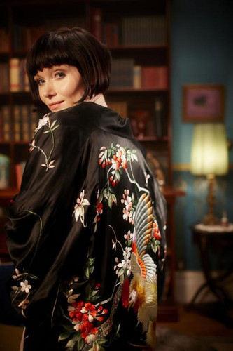 MissPhryneFisherChinese embroidered dressing gown  The