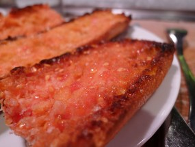 Pan de tomate, a popular Catalan tapas appetizer made with fresh tomatoes, olive oil, garlic and salt. Unfortunately, I don't like fresh tomatoes (the more processed the better, ha!), so while I appreciated the dish's value, my taste buds didn't care for it.