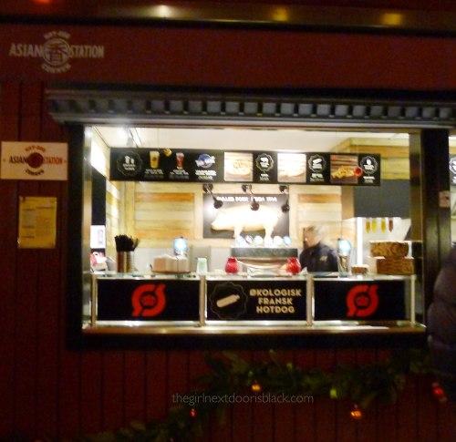 Hotdog vendor Tivoli Copenhagen