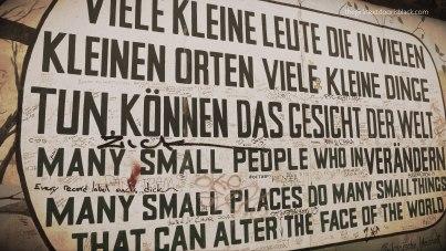 Many Small People Berlin Wall
