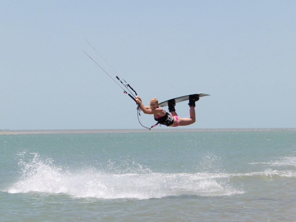 Vanessa kitesurfing, railey