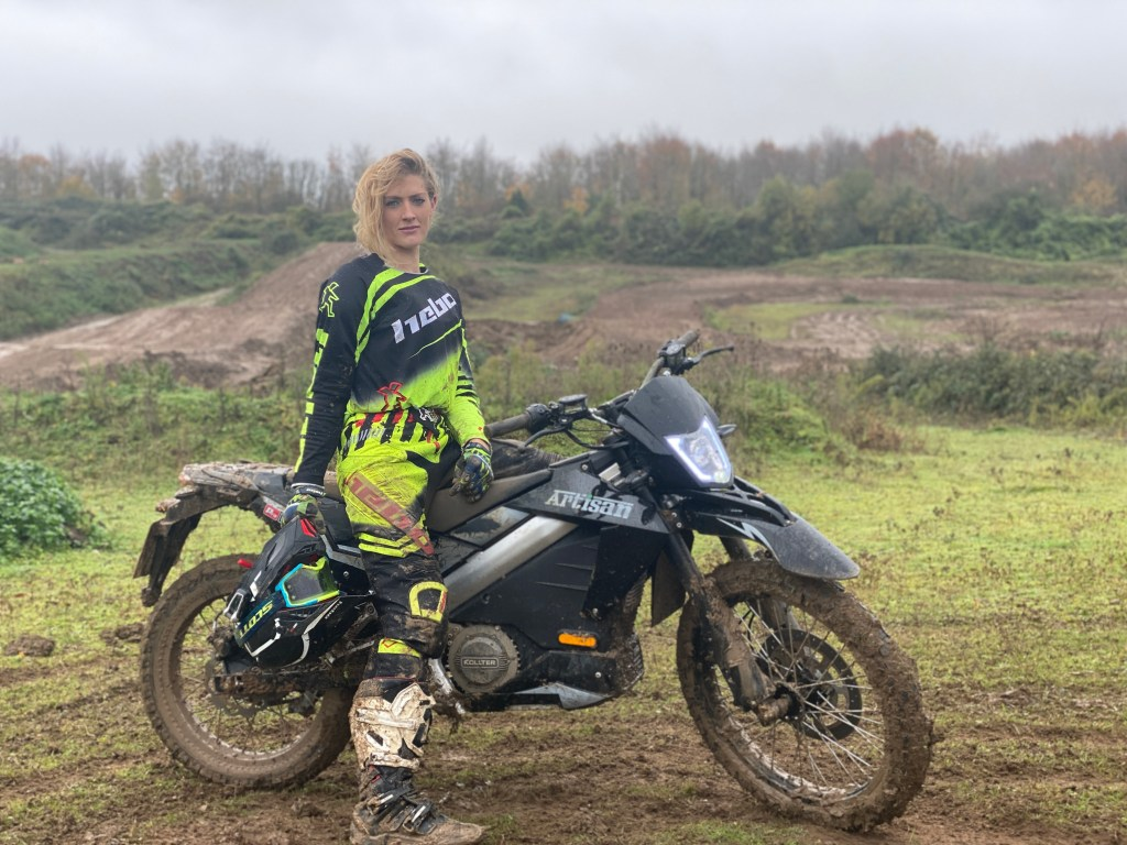 ES1 Pro off road review with The Girl On A Bike