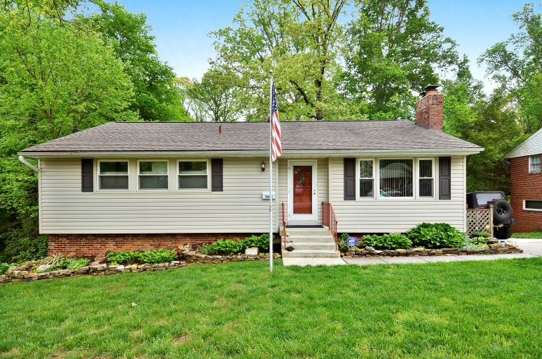 Home For Sale in DC Suburbs - 5642 INVERCHAPEL RD, SPRINGFIELD, VA 22151FAIRFAX County home for sale (MLS# FX9668051) Listed by REALTOR Candace Moe of The Girls of Real Estate