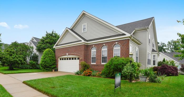 13392 FIELDSTONE WAY, GAINESVILLE, VA - a 55+ Grand Executive Home For Sale in Washington, DC Area