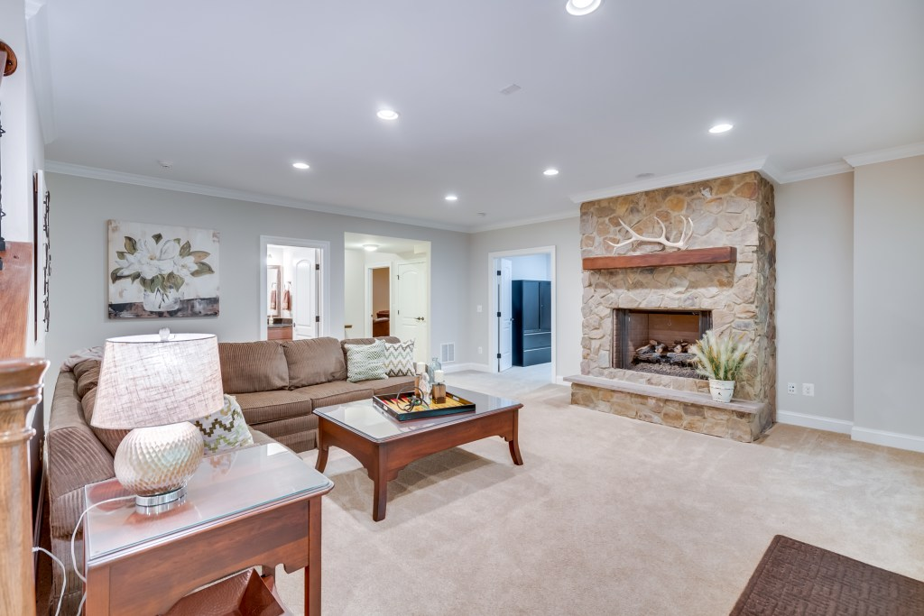 8305-Crestridge-Rd-Fairfax-Station-VA-Luxury-Home-For-Sale-Chelle-Gassan-Candace-Moe-Realtors_DSC00581fusion