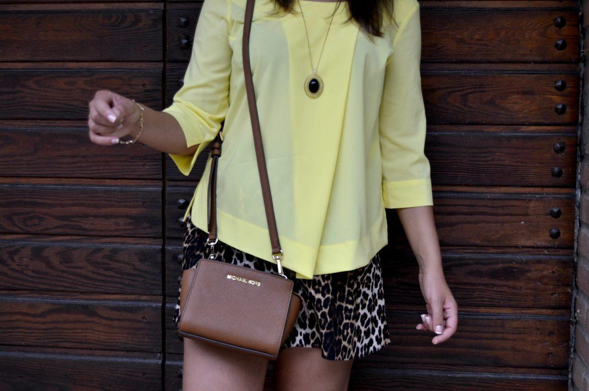 outfit camicia gialla