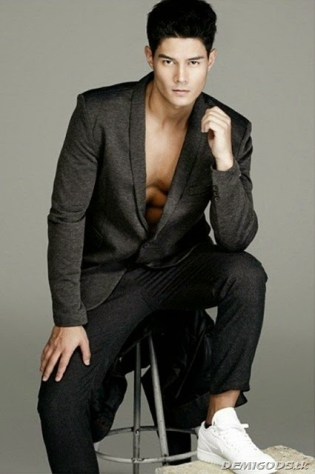 Daniel Matsunaga for Mega Man Magazine October 2014 (4)_thumb[6]