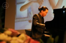 The performance featured pianist Tran Thai Linh-a good friend of Phuong Nhi (Photo by Kim Thanh)