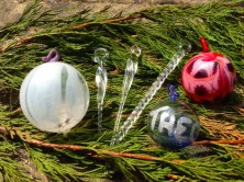 Make your own glass Christmas decorations.