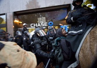 Why The Banking Elite Want Riots in America