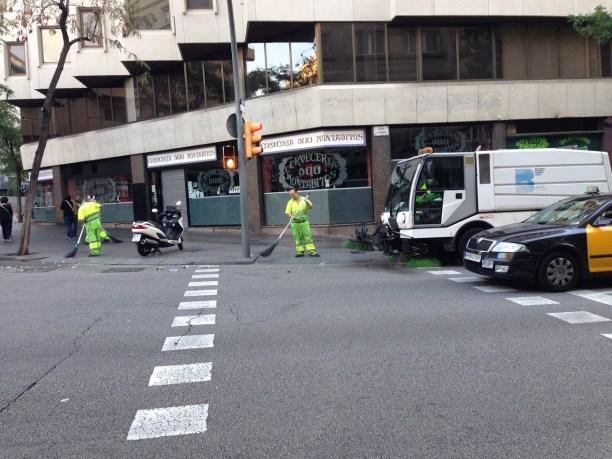 Barcelgona - street cleanin