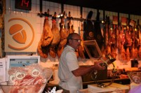 Anton Mkt - carving bacon