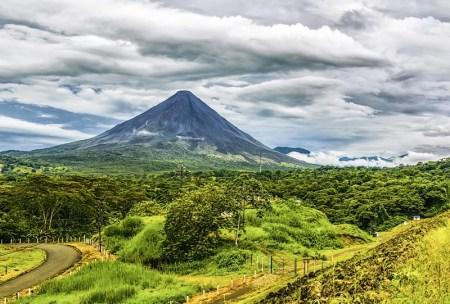 reserve de monteverde volcan arenal costa rica jungle