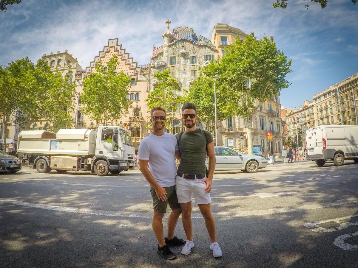 Barcelona gay tours Gaudi tour