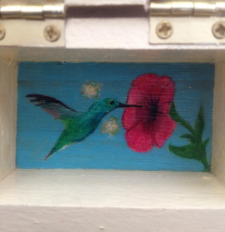 fairy.box.hummingbird