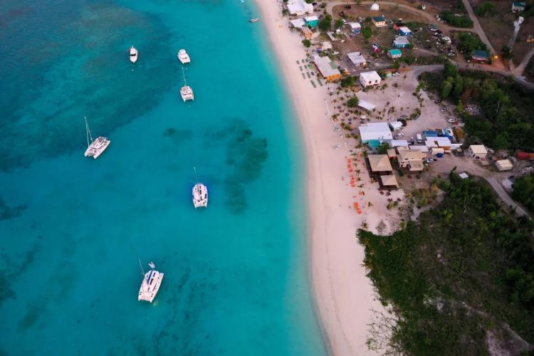 the dreamiest wish list travel experience, sailing in the BVI