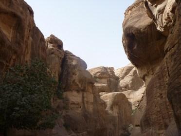 cliffs-of-petra-600x