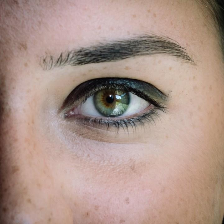 makeup nero grigio occhi sensibili 2