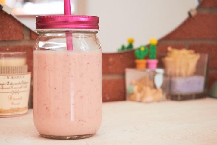 frullato-fragola-banana-yogurt-1