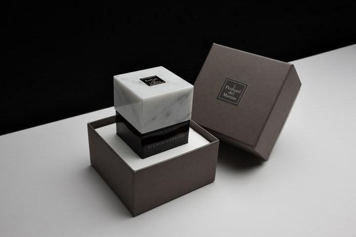 Bianco Carrara with box
