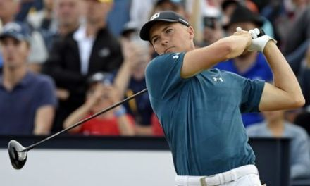 Spieth cards 65 to share lead with Schauffele and Kisner