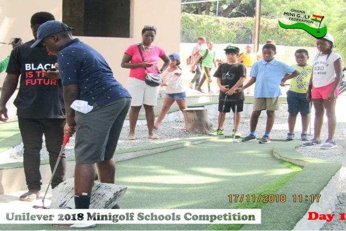 UNILEVER MINIGOLF SCHOOLS COMPETITION TEES-OFF!