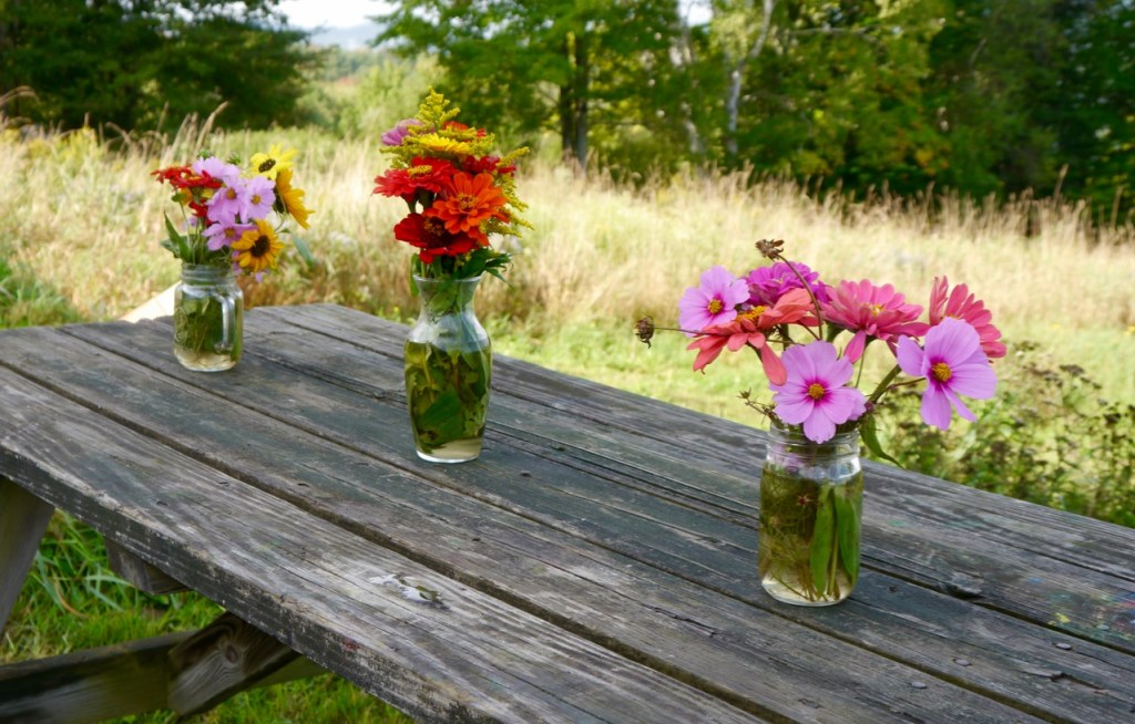 simple organic bouquets from the cut flower garden