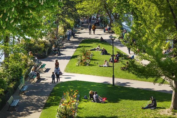 summer-in-paris-parks
