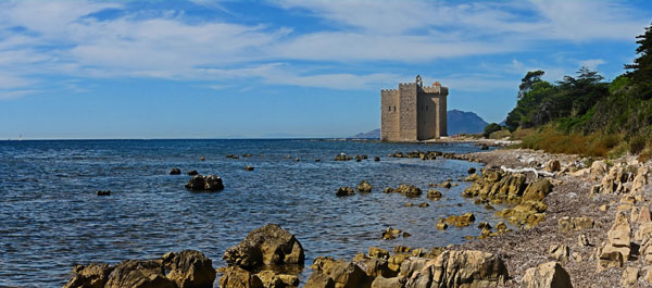fortified-monastery-ile-saint-honorat-cannes