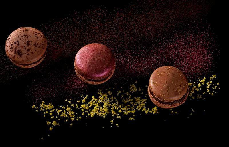 Chocolate macarons with chocolate dust