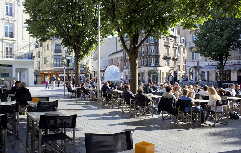 Place d'Erlon, meeting square that's popular with the locals in Reims